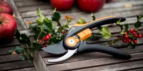 Садовые секаторы, сучкорезы, ножницы